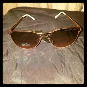NWT JUDITH LEIBER ROSE GOLD SUNGLASSES